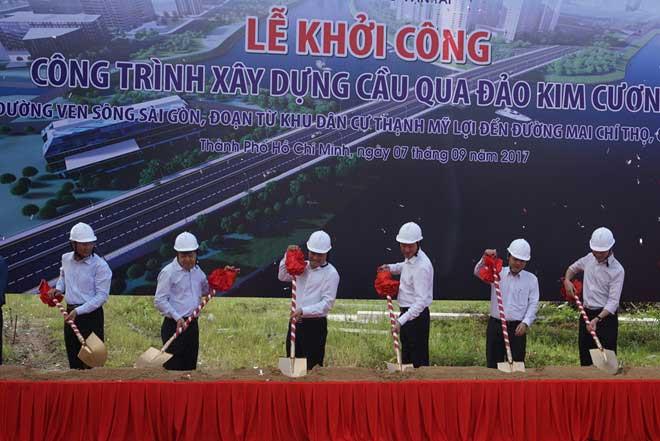 khoi-cong-xay-cau-qua-dao-kim-cuong
